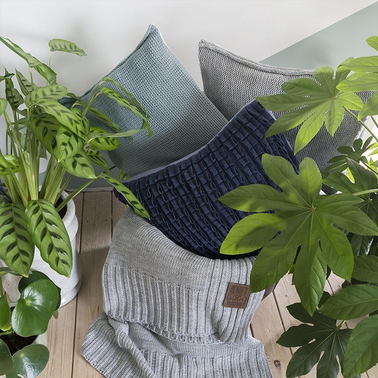 Sierkussens | Luxe gebreide kussens voor uw bank | Knit Factory